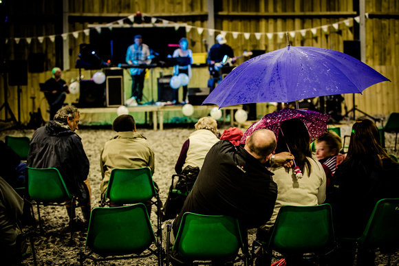 Live music with Connect 5 at Chenhale Equestrian Centre