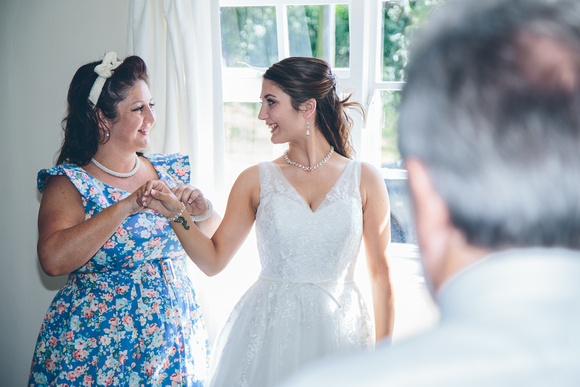 Mother Michelle and daughter Cate enjoying the bridal preparations being the ceremony.