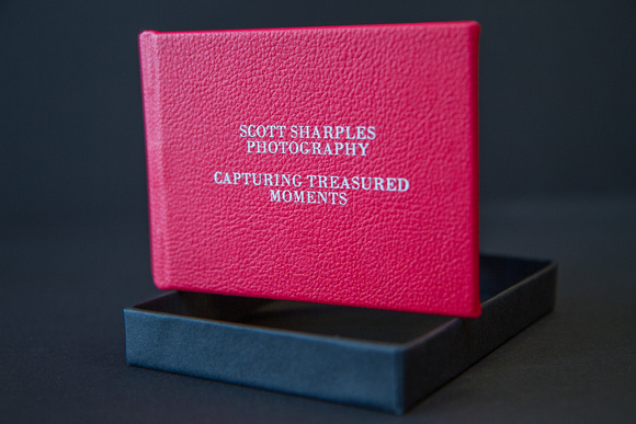Bespoke photo presentation case on which your wedding images will arrive