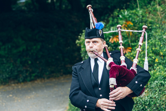 Traditional Cornish Piper to welcome the guests to the wedding